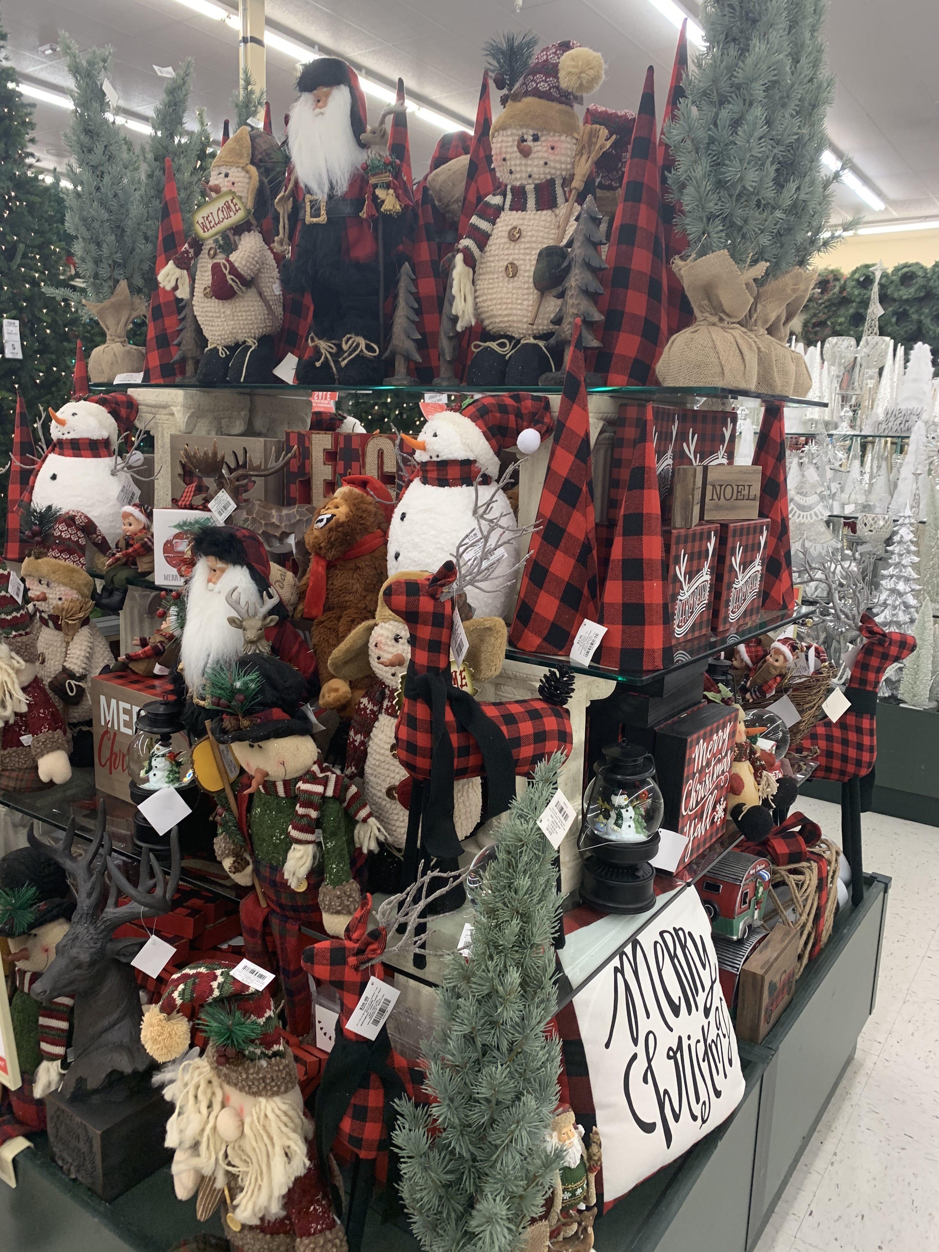 Tour of Hobby Lobby s Christmas Decor – Lizzy & Erin