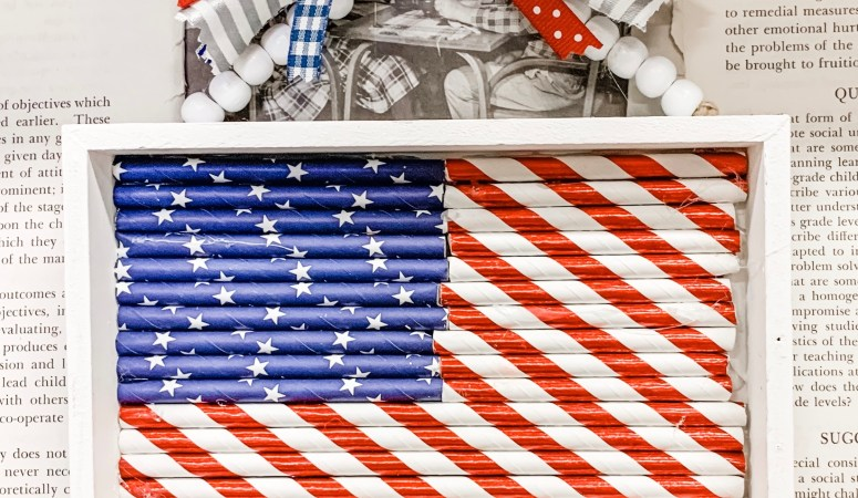 Patriotic Straw Flag Hanger Decor