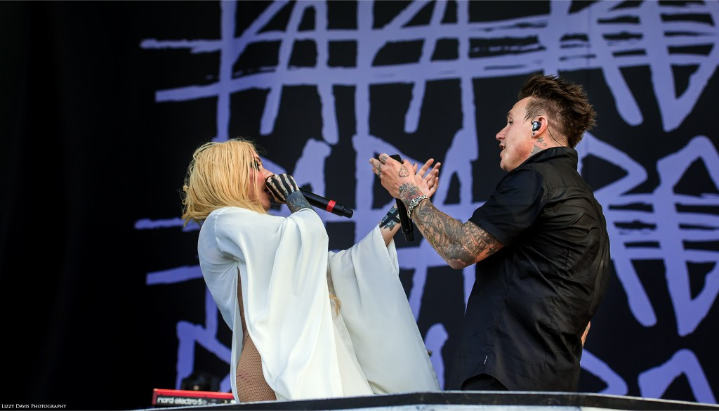 Maria Brink and Jacoby Shaddix perform live duet of Gravity at Welcome to Rockville. ©Lizzy Davis Photography
