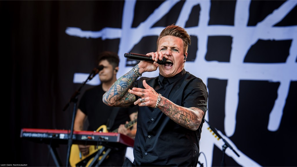 Photo of Papa Roach vocalist Jacoby Shaddix. Carolina Rebellion 2017 pictures by ©Lizzy Davis Photography.