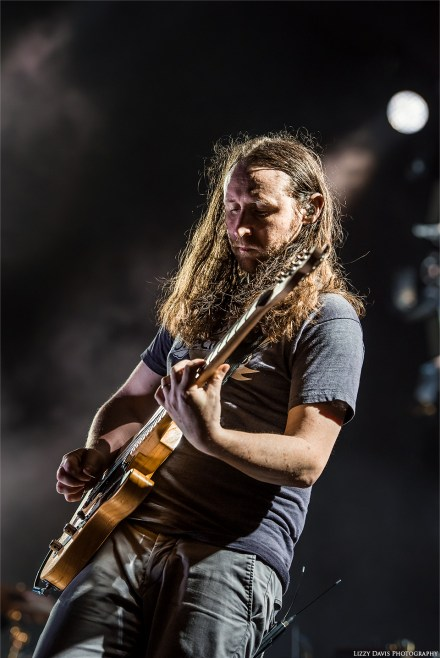 Mike Einziger, guitarist of Incubus. MidFlorida Credit Union Amphitheatre concert photos by ©Lizzy Davis Photography.