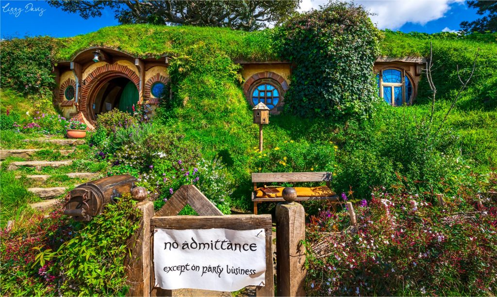 Photo of Bag End, the most luxurious hobbit-hole in all of Hobbiton!