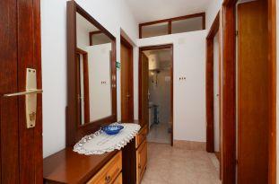 ljiljana-blue-apartmet-hallway-06-2016-pic-01
