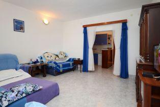 ljiljana-blue-apartmet-livingroom-06-2016-pic-03
