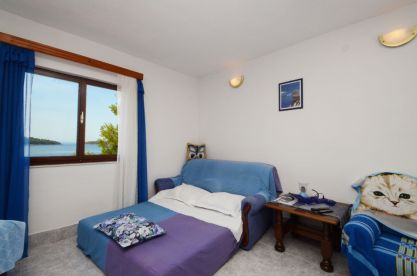 ljiljana-blue-apartmet-livingroom-06-2016-pic-05