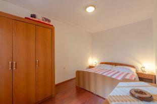 ljiljana-rose-apartment-bedroom-09-2019-pic-02