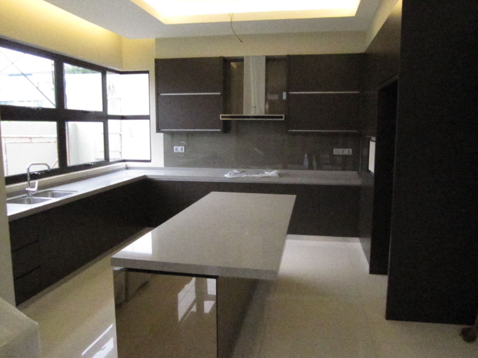 Modern Home Living – Kitchen Cabinets
