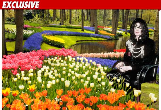 0723_micahel_jackson_garden_GETTY_EX