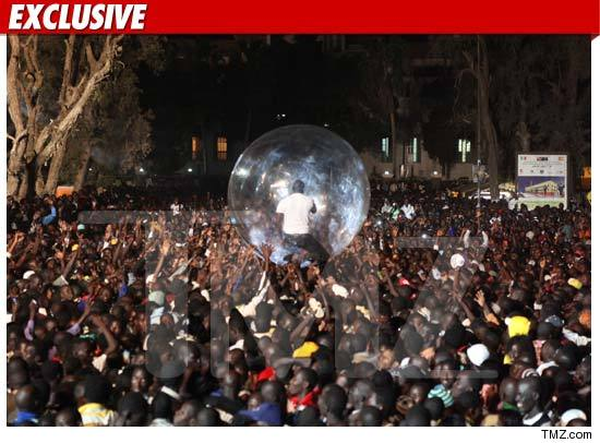 0103_akon_bubble_TMZ_EX