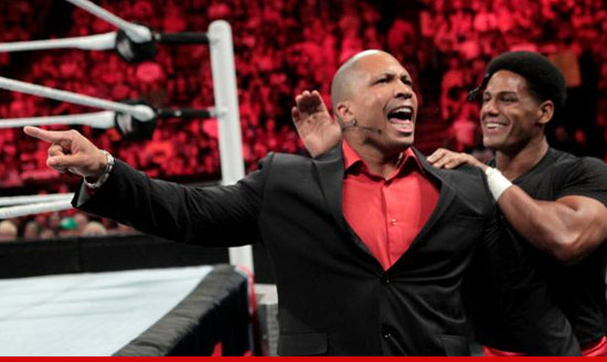 0730_wrestler_kobe_bryant_wwe_article