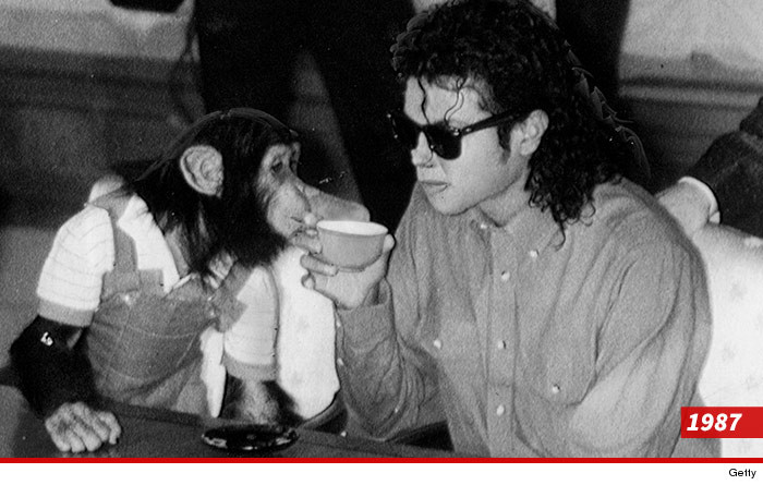 0313-michael-jackson-and-bubbles-02
