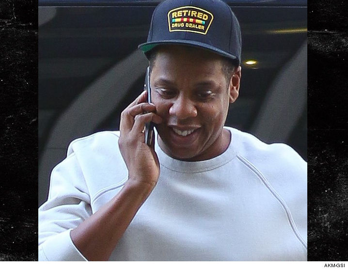 1005_Jay-Z-in-nyc-retired-drug-dealer-hat_AKM-GSI