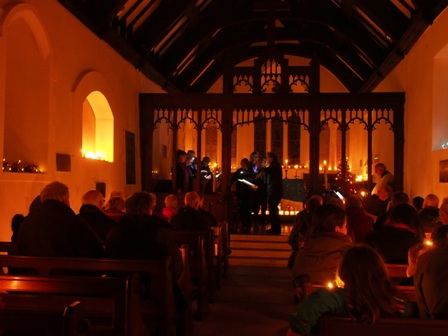 Carols by Candlelight with Cantamus Chamber Choir