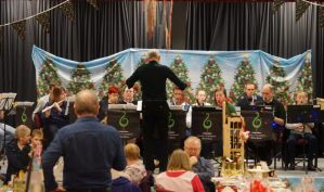 Christmas community cheer  abounds at Bryn and Llangennech parade