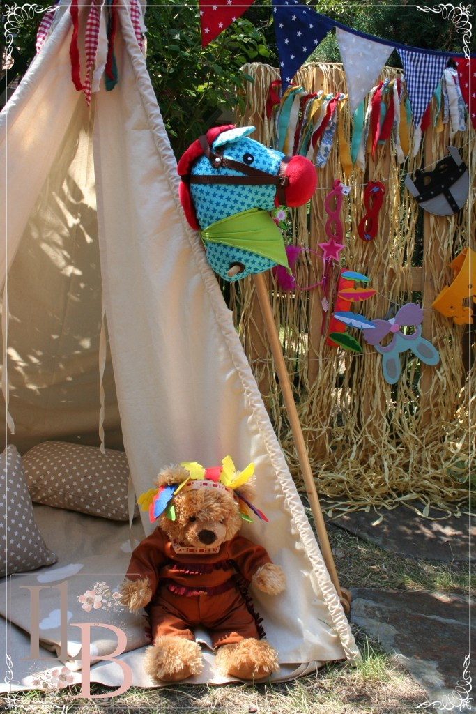 Photobooth infantil para Bodas con tipi Indio en