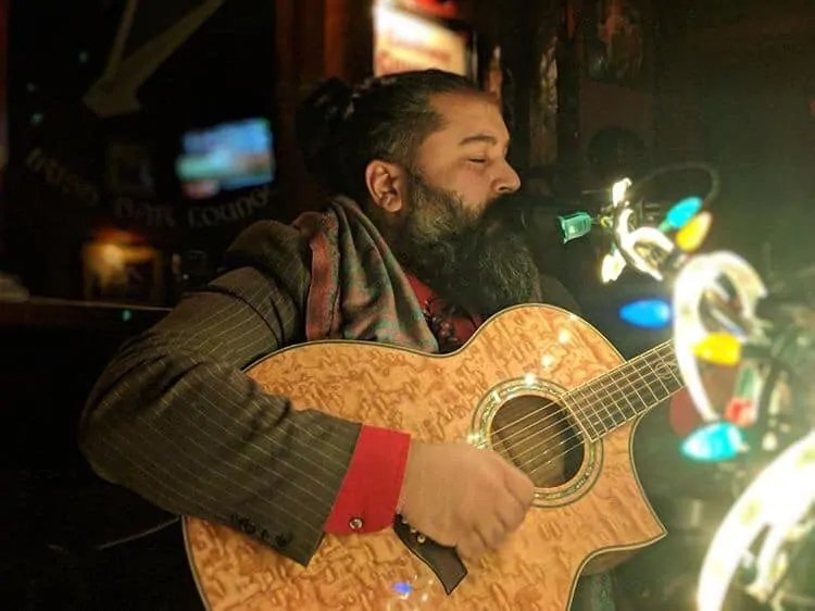 Roland Ramos: Acoustic Song-writer and Art Enthusiast