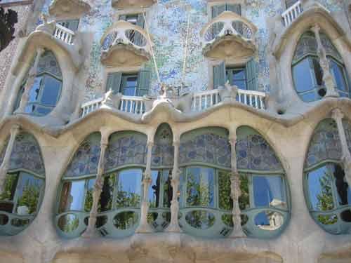 Visiting Gaudis buildings  Sagrada Familia Casa Batll