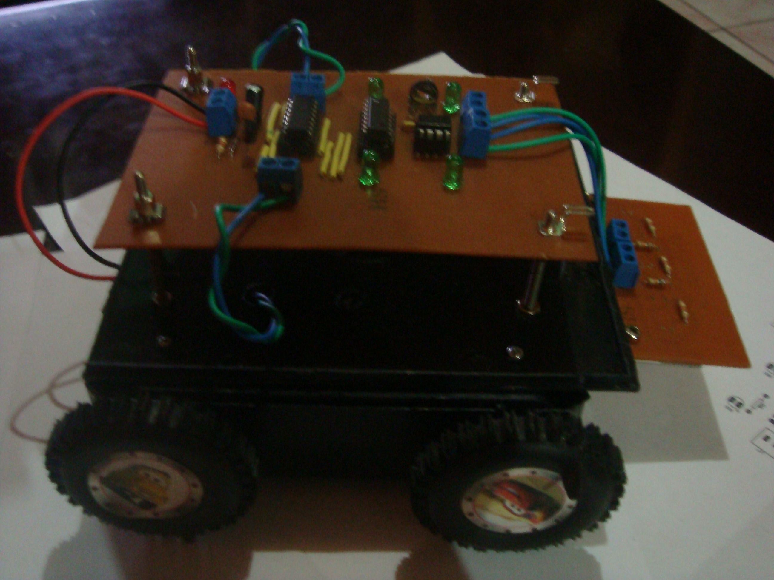 Re Line Following Robot Using Logic Gates