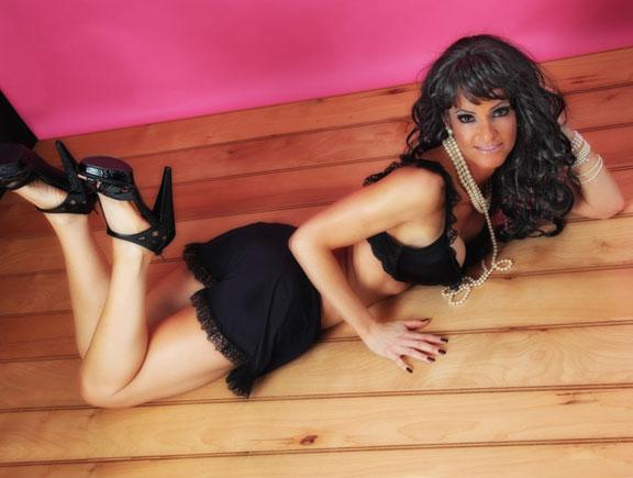 Pinup & Boudoir Photography sensual lady wearing black lingerie