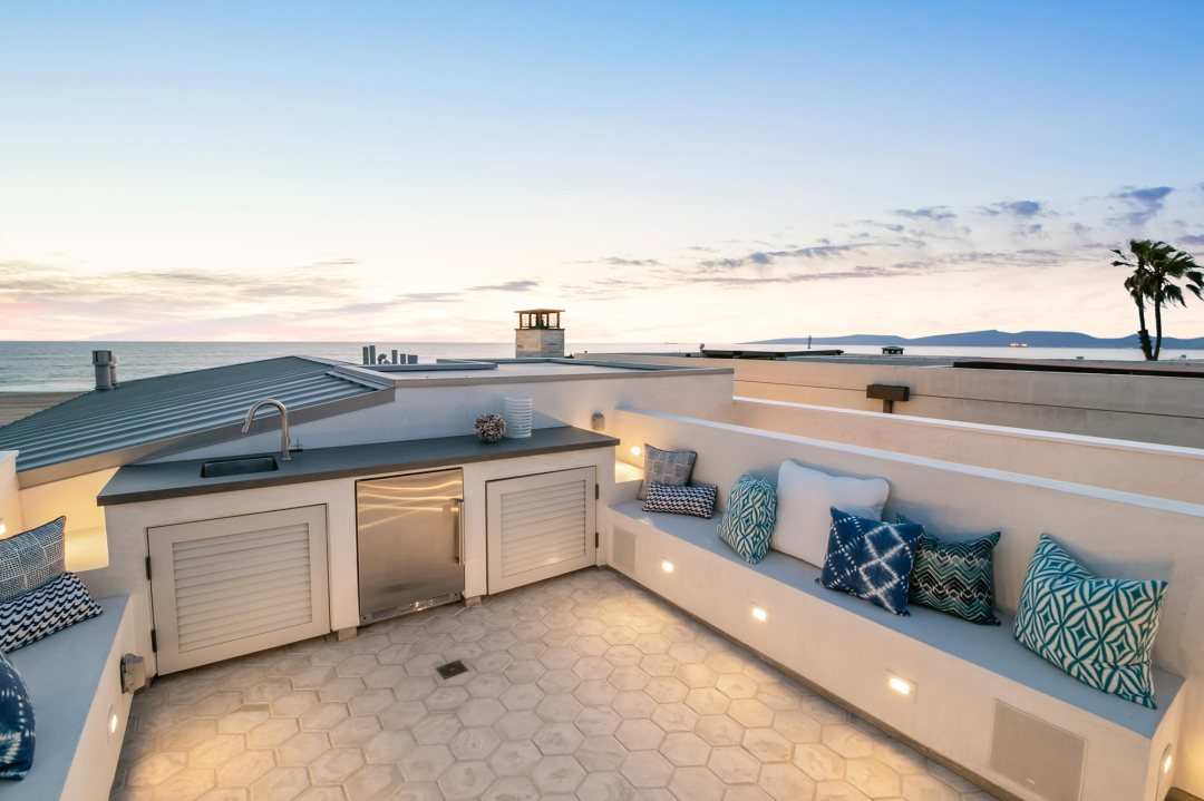 Oceanfront Lifestyle · Bungalow · Hermosa Beach New Home