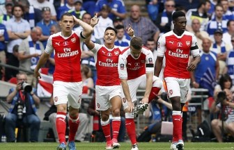 Alexis Sánchez celebrates after putting Arsenal ahead. Image from: AP