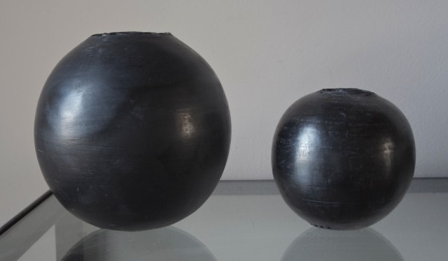 Black spheres - Luca Leandri at Maison Yvette - LMDY.ch