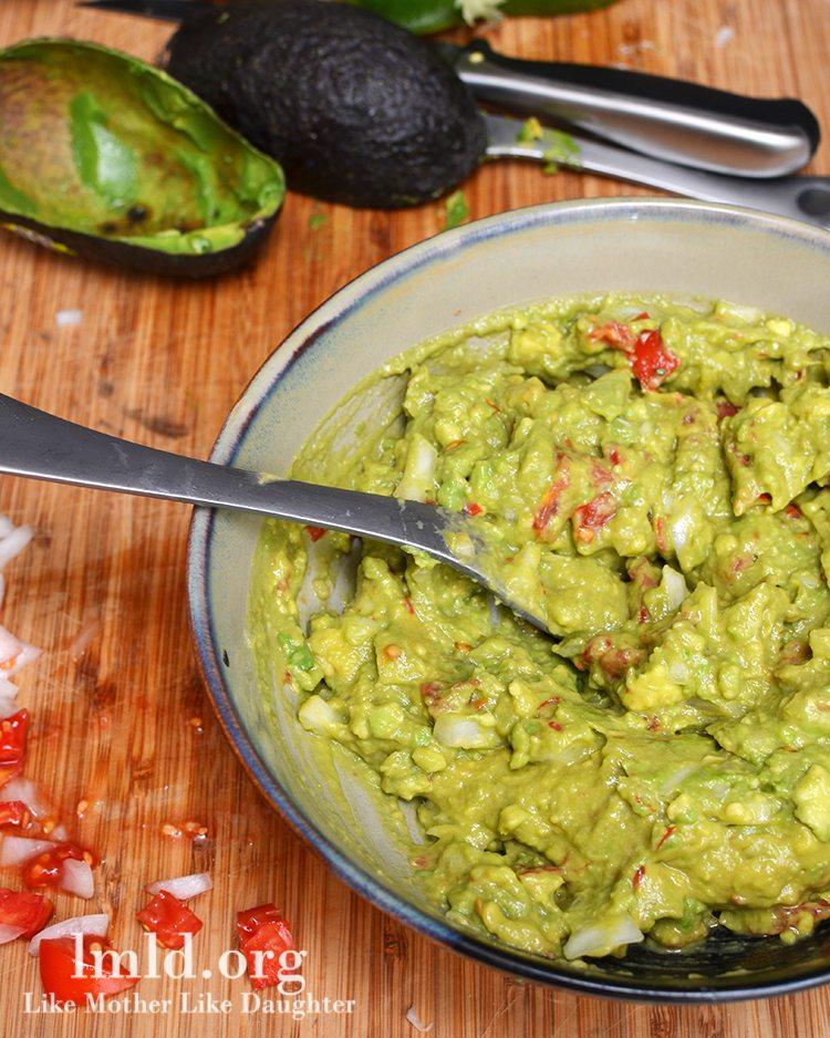 Guacamole | Easy & Healthy Vitamix Recipes | Homemade Recipes
