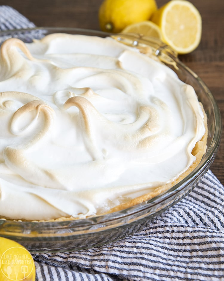 Lemon Meringue Pie is such a good Thanksgiving pie