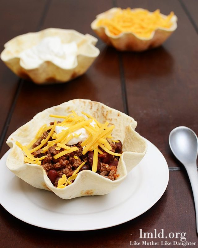 Chili in Tortilla Bowls
