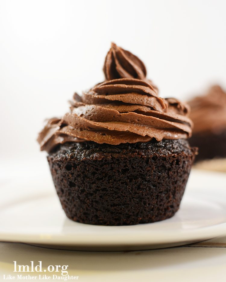 Chocolate Cupcakes for two - for the chocolate lovers, these rich and decadent chocolate cupcakes are easy to whip up and the recipe only makes 2 cupcakes so its the perfect treat when you just need to indulge a little. Would also make a good Valentine's treat for you and your sweetie.