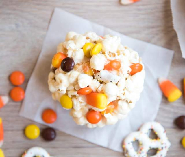 These Halloween Popcorn Balls Are The Perfect Snack