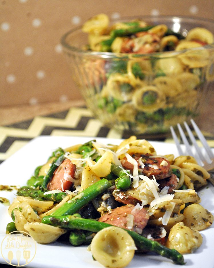 Orecchiette with chicken sausage - a delicious pasta with chicken sausage and vegetables for a perfect dinner!