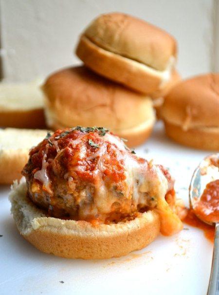 Cheesy-Stuffed-Meatball-Sliders-5