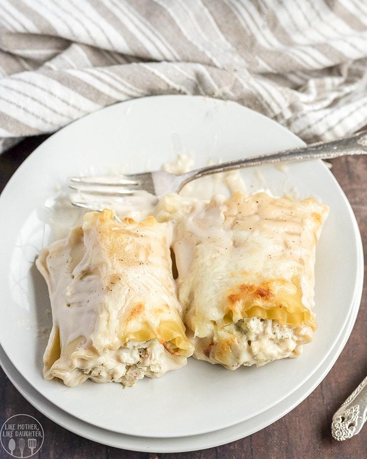 Cheesy Chicken Alfredo Roll Ups