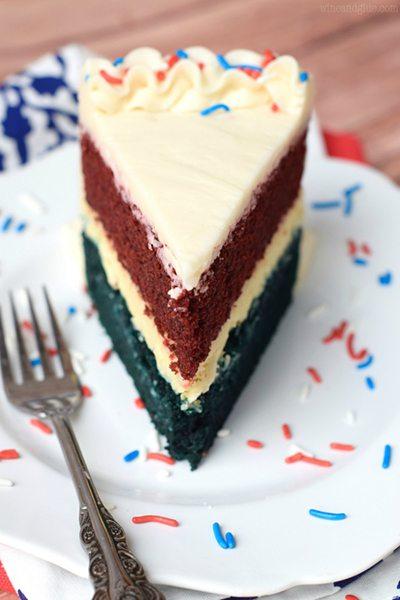 red_white_and_blue_velvet_cheesecake_cake