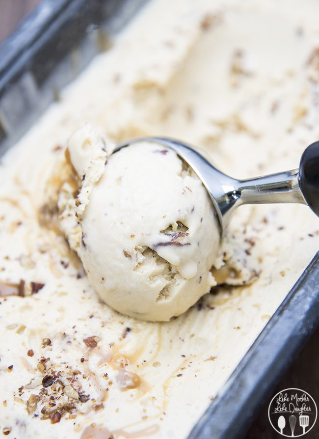 Salted Caramel Pecan Ice Cream - This Salted Caramel Pecan Ice Cream has a salted caramel custard base, swirled with salted caramel swirls and full of crunchy toasted pecans. Its perfectly rich, creamy and so delicious