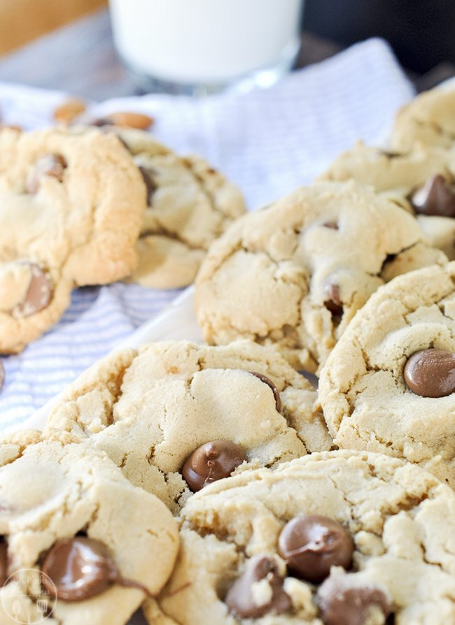 Amaretto Chocolate Chip Cookies – these cookies are for the chocolate lover, the amaretto lover, and the chocolate chip cookie lover in all of us.