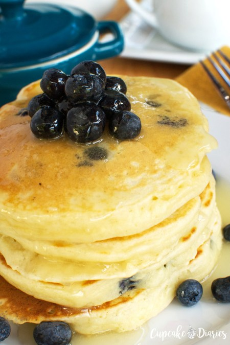 blueberry-pancakes-with-warm-buttermilk-syrup-wm