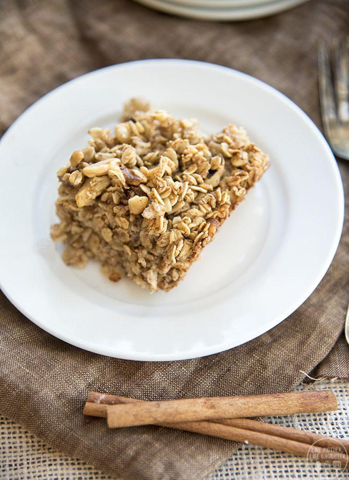 baked-apple-cinnamon-oatmeal-1