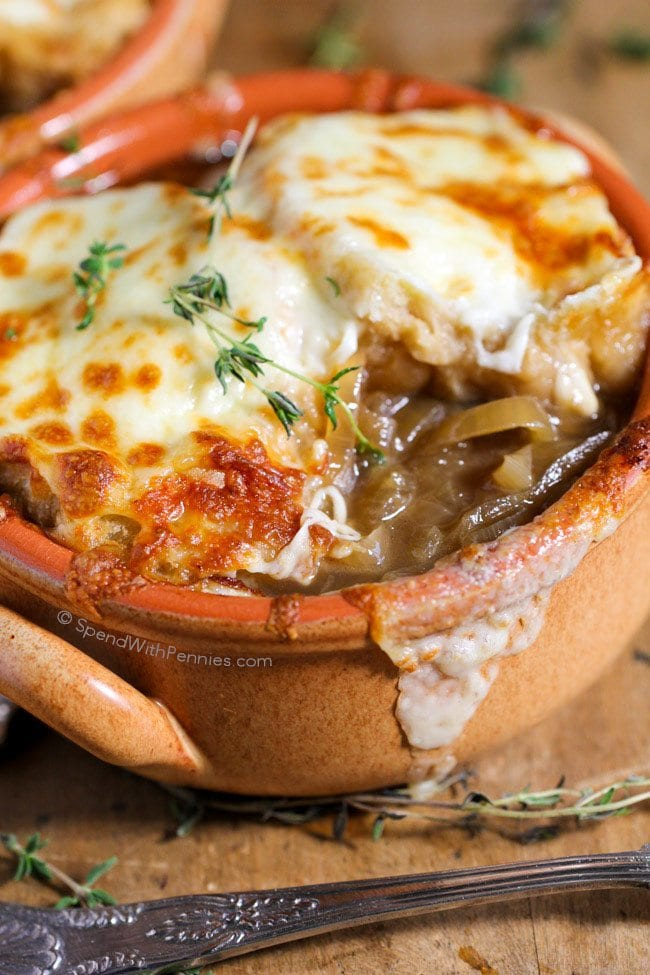 spendwithpennies-slow-cooker-french-onion-soup-25