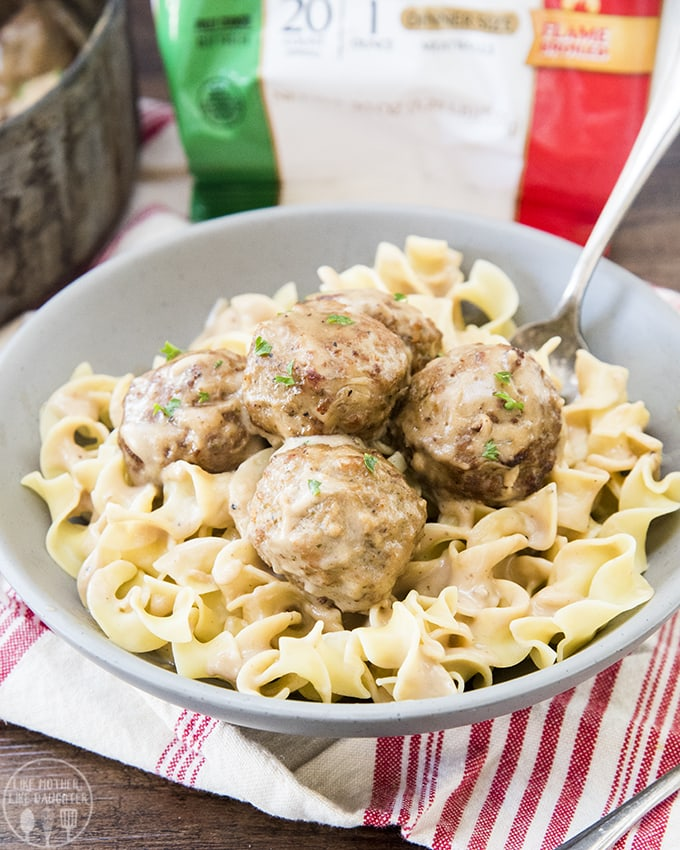 This swedish meatballs recipe is such a good dinner, with a rich and creamy sauce and ready in only about 15 minutes!