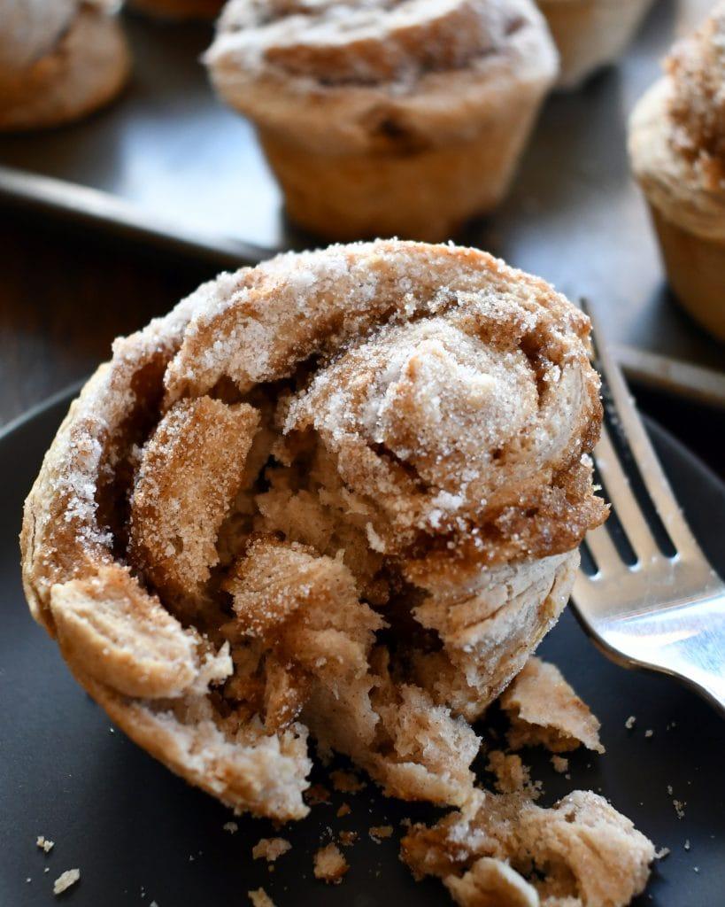 Sugary, gooey, yummy, cinnamony no yeast cinnamon rolls for an easy and quick cinnamon roll fix