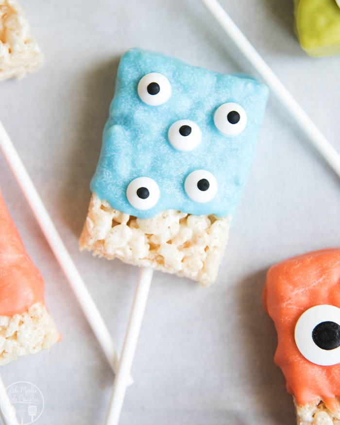 Monster Rice Krispie Treats are the perfect Halloween Rice Krispie Treats