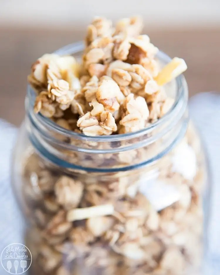 Banana Granola Recipe perfect for breakfast or a snack!