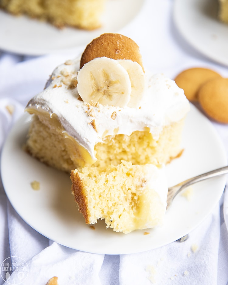 Banana Cream Pie Poke Cake