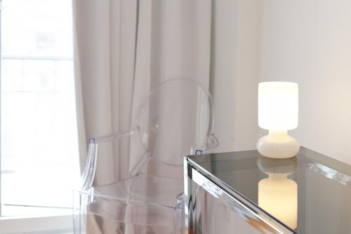 Chambre avec canapé lit - Appartement meublé de 3 chambres du Mile-End à Montréal | LM Montréal - Location meublée à Montréal