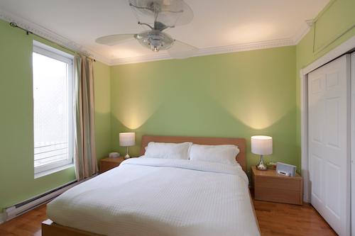 chambre principale de l'appartement meublé mile-end montréal, 3 chambres, LM Montréal, Location meublée à Montréal tout inclus, location de courte durée ou de moyenne durée
