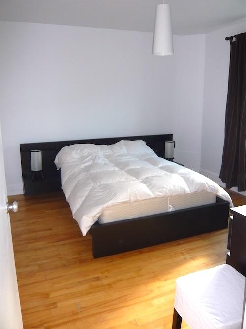 Chambre principale de l'appartement meublé 2 chambres montréal, LM Montréal, quartier Sud-Ouest de Montréal, location temporaire