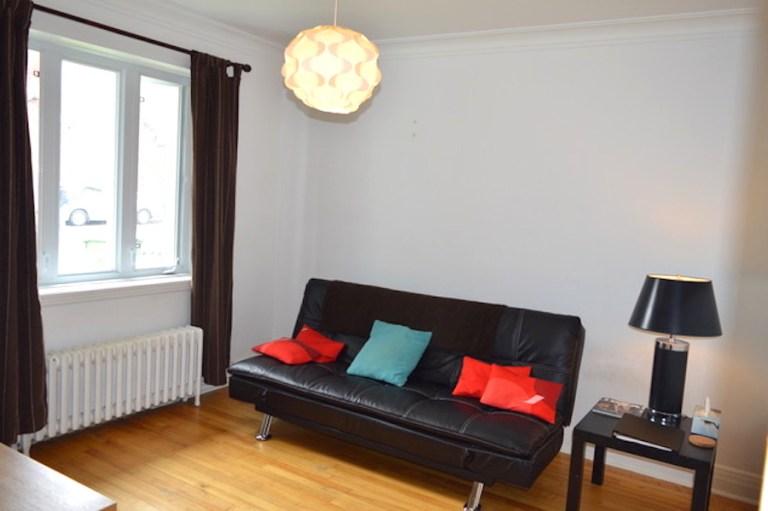 Salon de l'appartement meublé 2 chambres montréal, LM Montréal, quartier Sud-Ouest de Montréal, location temporaire