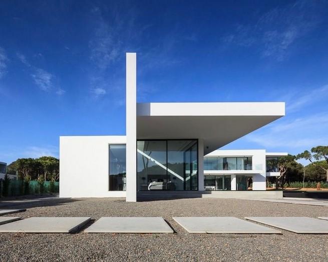 12 Minimalist Home Exterior Architecture Design Ideas 30